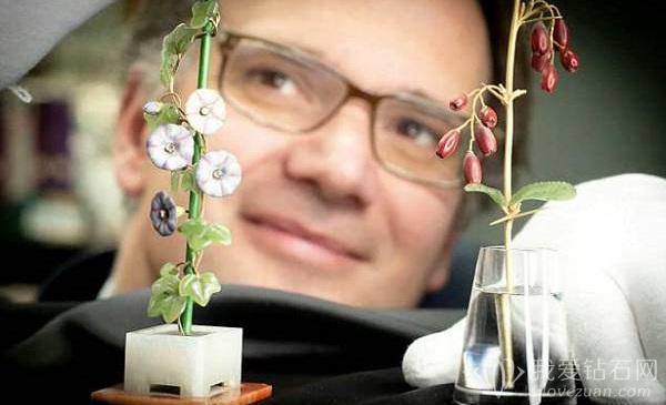 两朵待拍卖宝石花束——费伯奇花,预计拍价427万人民币