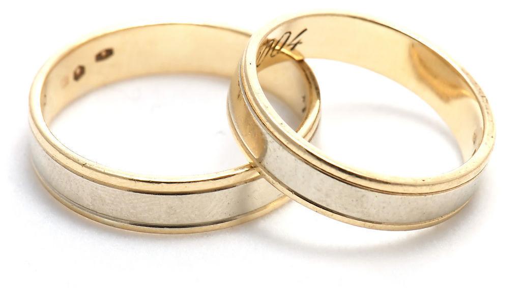 周大福铂金戒指款式 周大福铂金手镯款式 周大福新款黄金戒指