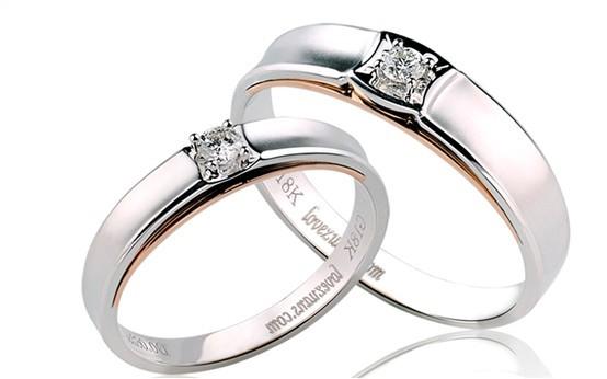 情侣/1、千足金,指金属量达到99.9%的纯金饰品,刻有999或千足金字...