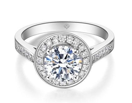 这些花式切割的钻石是珠宝设计师们最喜欢调配的强将.