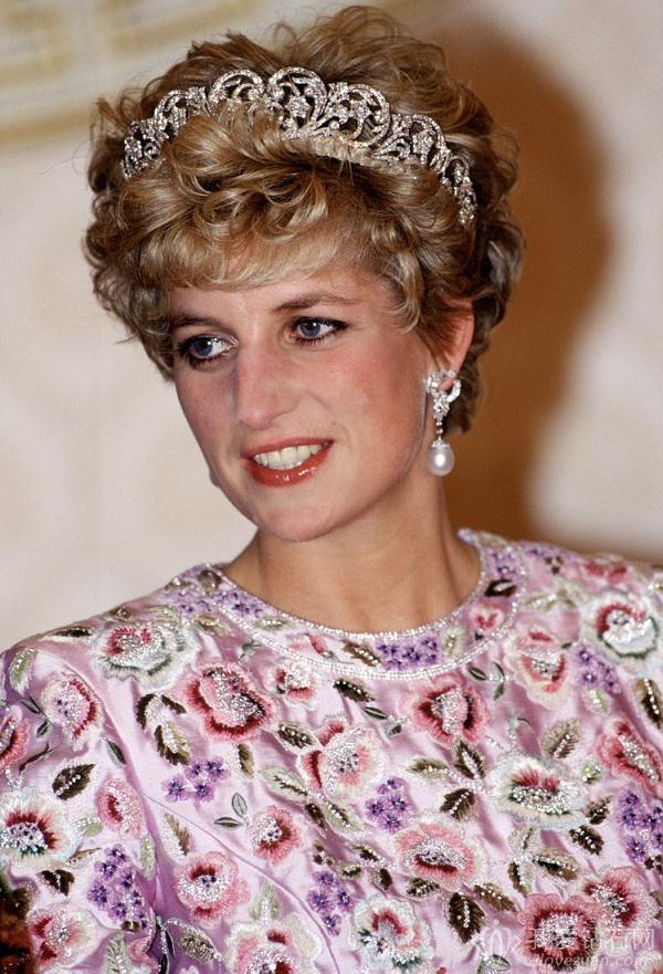 凯特王妃佩戴曾属戴安娜王妃的珍珠耳坠出席活动