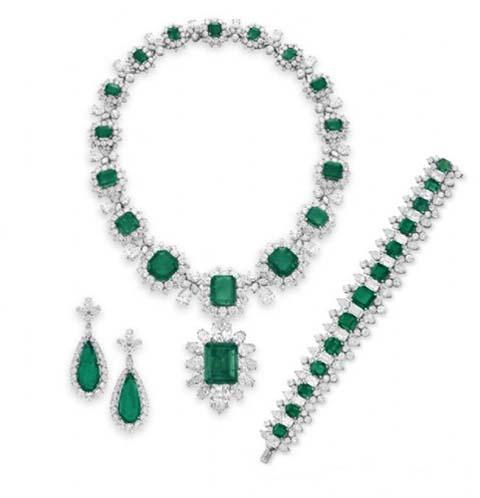 Bvlgari宝格丽祖母绿钻石首饰套装