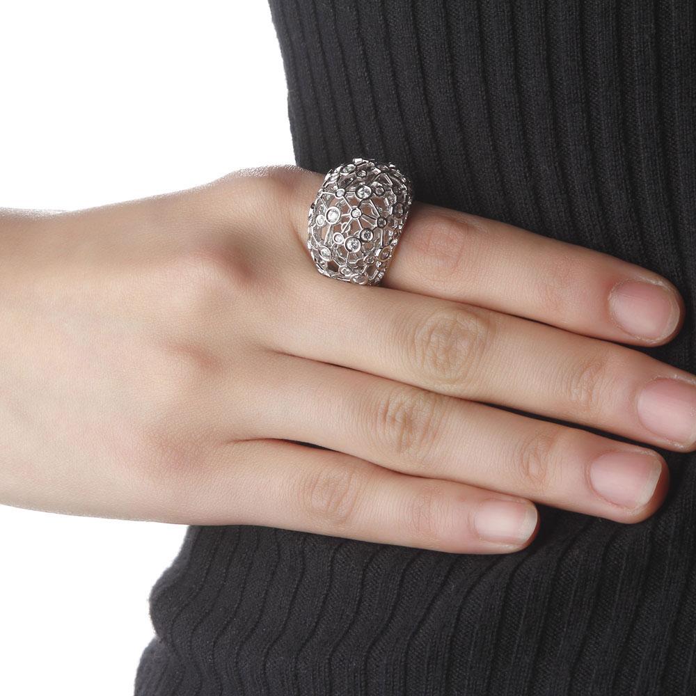 男生女生戒指的戴法是什么 左手和右手戴戒指的意义有什么不同?图片